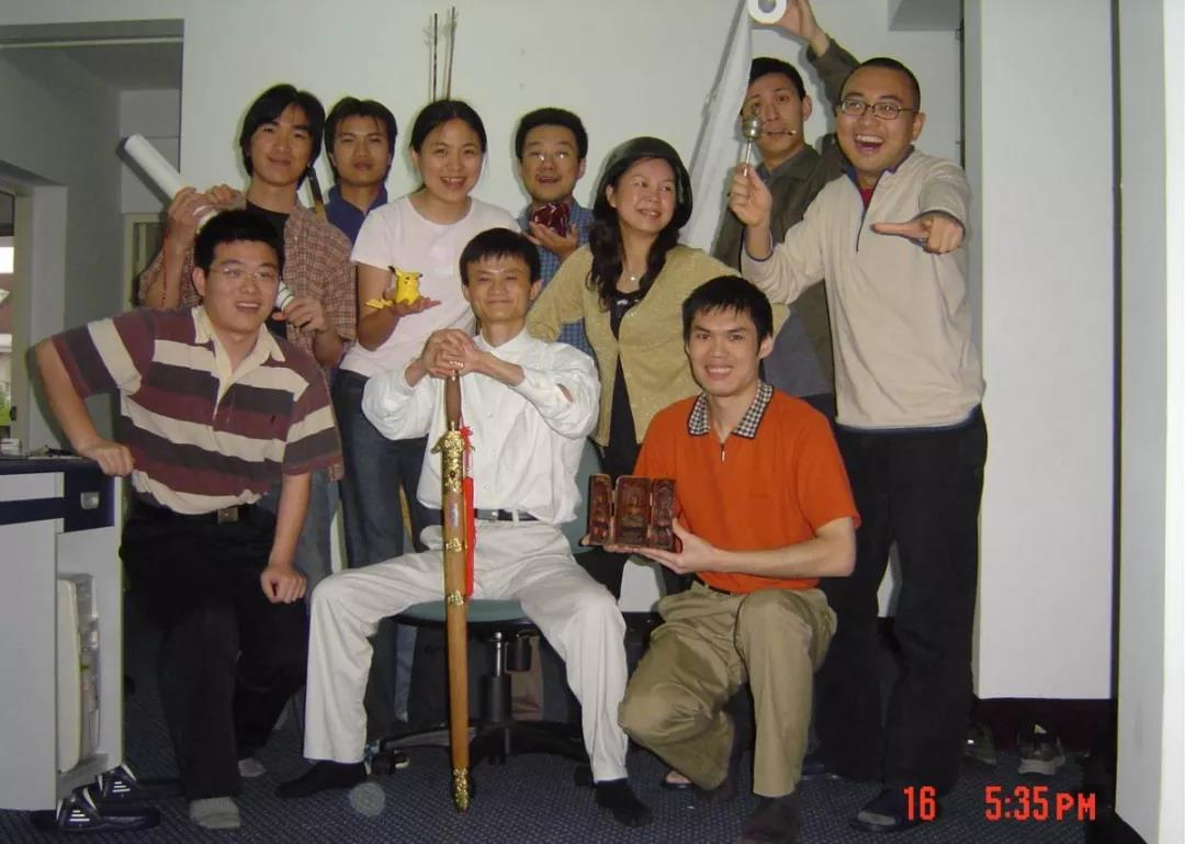 湖南两高校争舱外服设计成果归属 湘大:正和湖大沟通