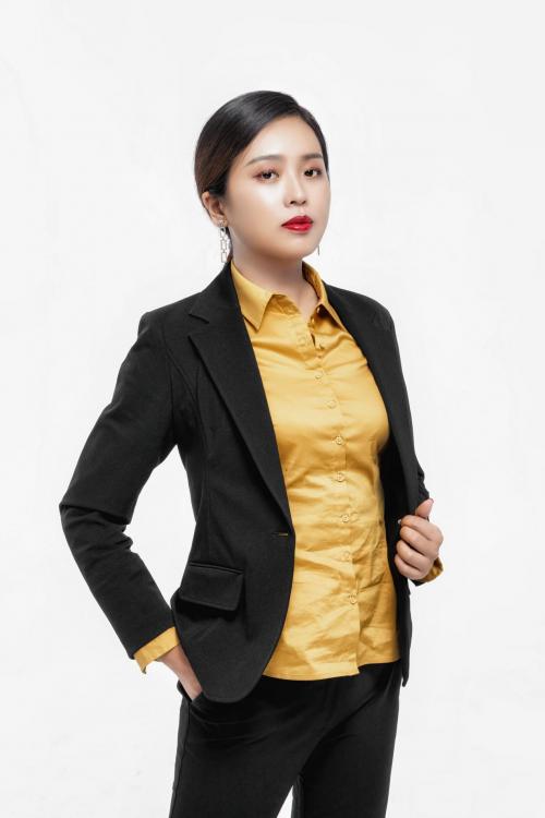 惠远大区总裁鑫梦想团队创始人周蕾:《欲戴王冠,必承其重》