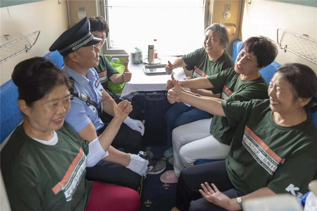 """北京铁警中秋发布安然""""小贴士""""提示搭客安然出行"""