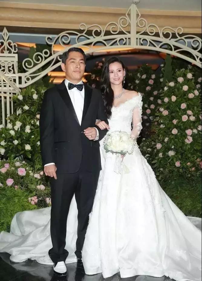 香港两大顶级豪门联姻了!有钱人的爱情你看懂了吗?