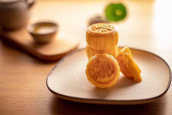 原创一块月饼=3勺油?月饼食用禁忌全攻略