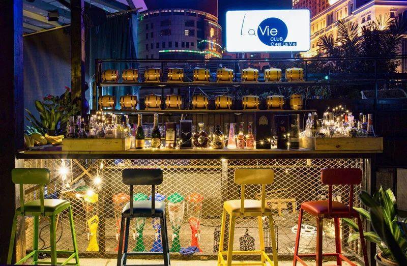 爱喝酒的南宁人注意!这家空中花园酒吧要承包你的夜生活图片