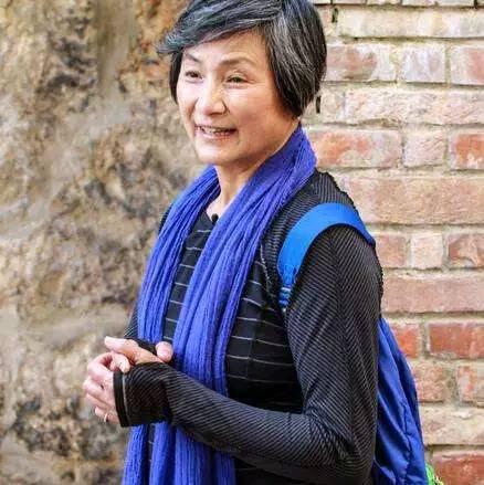 73岁郑佩佩离婚多年,近况曝光,仍坚守拍戏