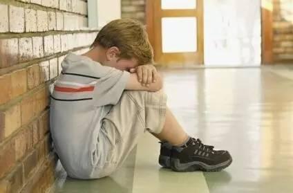 """很多""""笨""""孩子都是被父母说出来的,习得性愚蠢要不得,需警惕"""