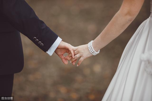 ta婚内出轨,该不该走下去,是你会怎么做听听心理学家的分析