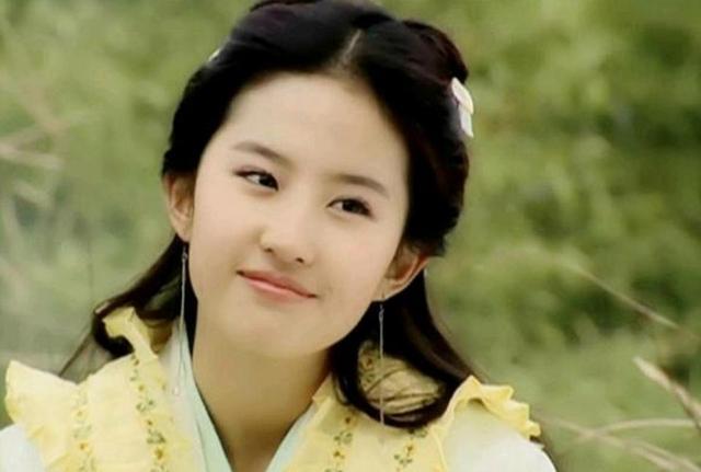 18岁才是女星最美的年龄,刘诗诗蒋欣闭月羞花,王祖贤深情而忧郁