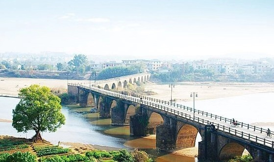 江西永丰恩江古桥坍塌1死2伤!始建元代7年前曾花600万大修