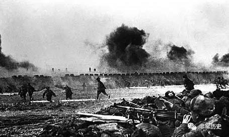 1948年9月12日,第四野战军发起辽沈战役,拉开战略决战