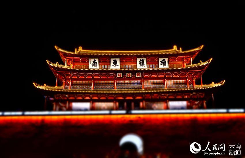 囹.+yie�)�9b&_云南建水古城月色浓(图)
