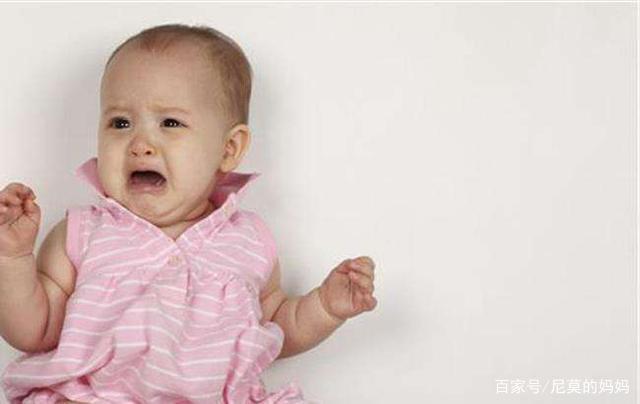 9个月宝宝半夜哭醒,妈妈感觉到不对劲,医生的话让妈妈庆幸不已