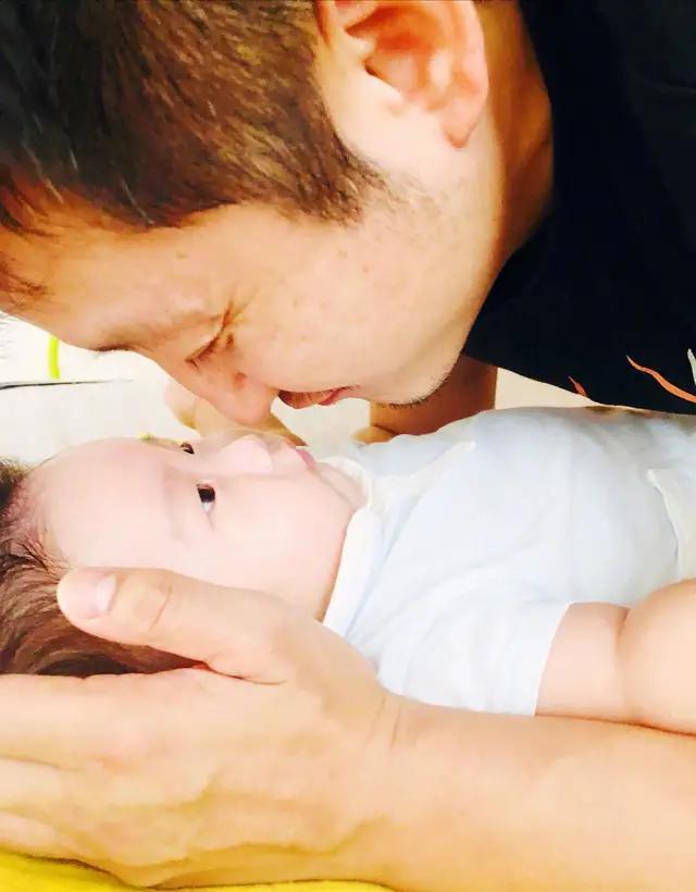冉莹颖坦言生在单亲家庭缺少父爱,邹市明:你是我女儿