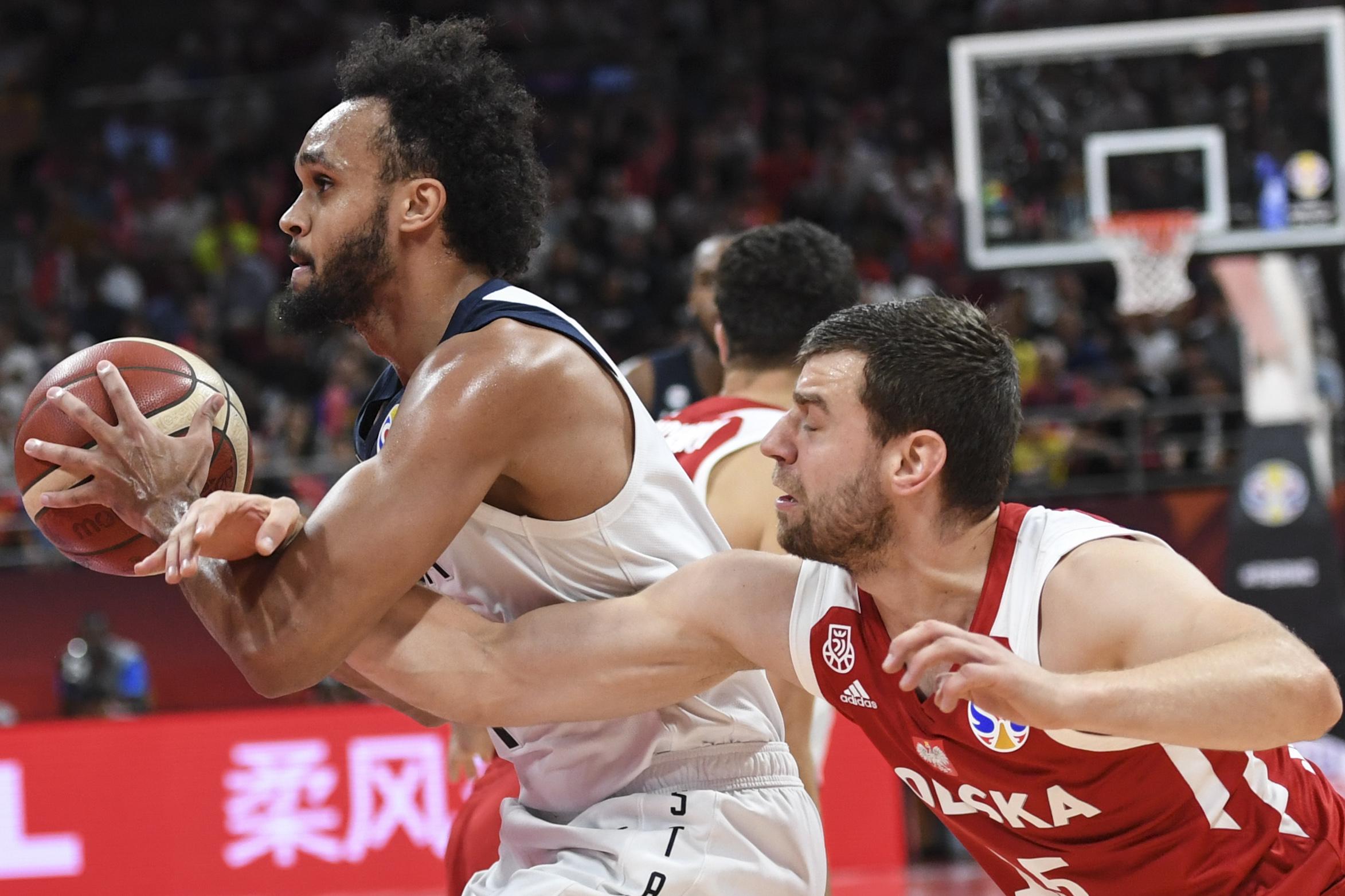 篮球——7至8名排位赛:美国队获第七名