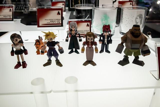 有棱有角的情懷《最終幻想7》發布方塊版角色手辦