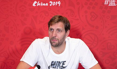 国际篮联:诺维茨基当选为FIBA球员委员会主席