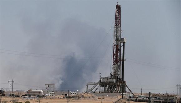 沙特石油设施遇袭产量减半,国际油价可能飙升逾10%