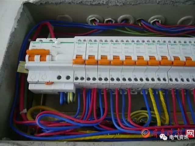 配电箱总闸到底装漏保还是空开?难怪我家用电经常跳闸!