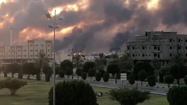 蓬佩奥指责伊朗对沙特石油设施发动袭击,参议员敦促美国发动空袭