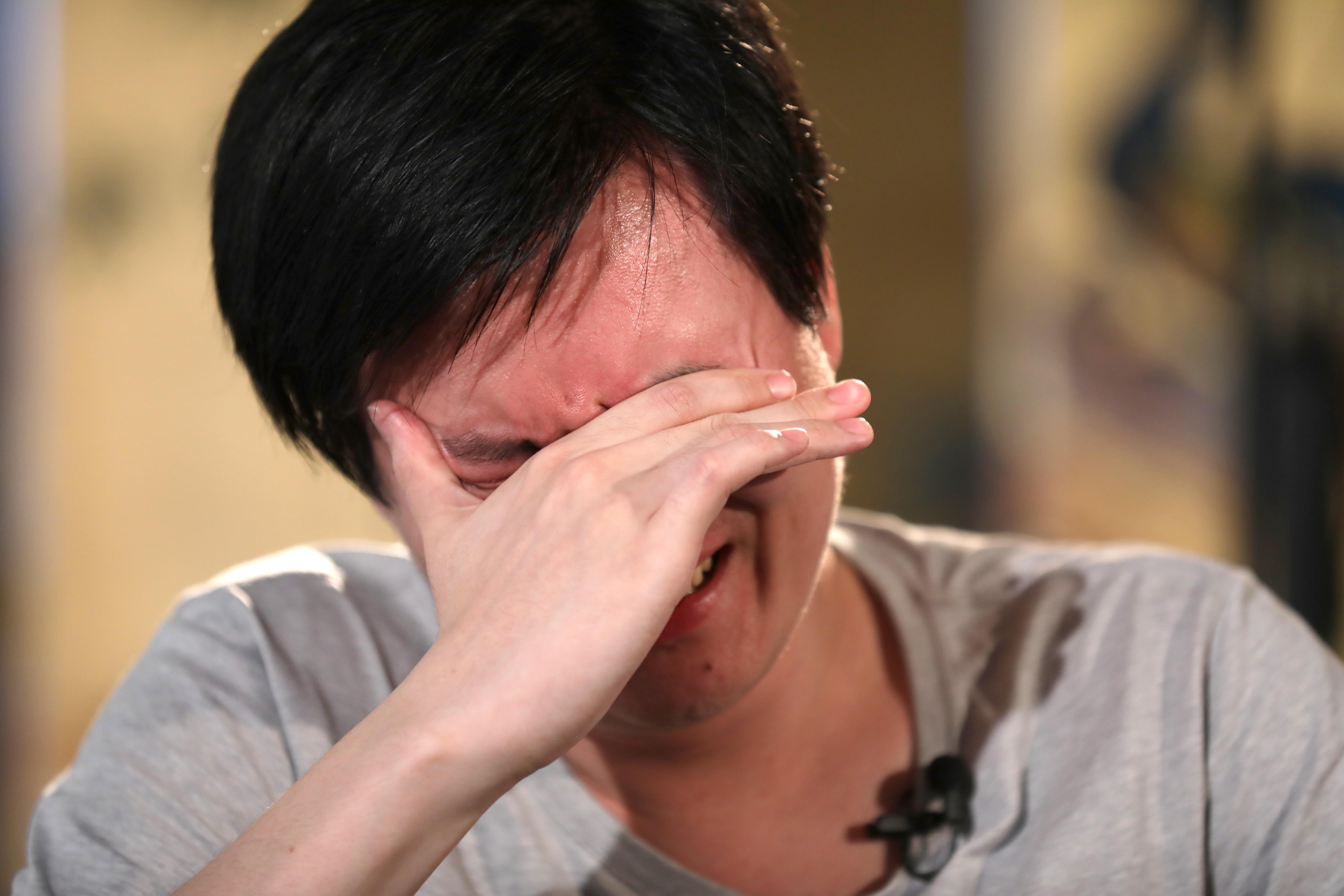 """""""一个人力量很小,但仍希望帮助香港""""——香港撑警""""90后""""用行动表达心声"""