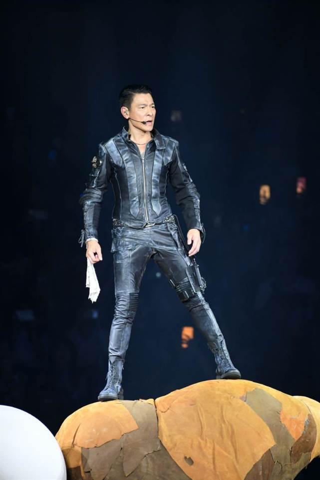 刘德华在朱丽倩家乡开演唱会,承诺70岁时要连开10场 作者: 来源:素素娱乐
