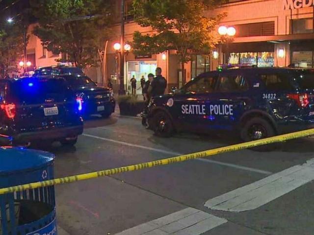 美国西雅图突然响起枪声,一死两重伤,枪手老练或受过专业训练