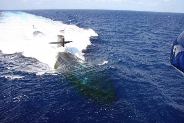潜艇航行有多难?为保持平衡往油箱注海水,任何失误都难以挽回