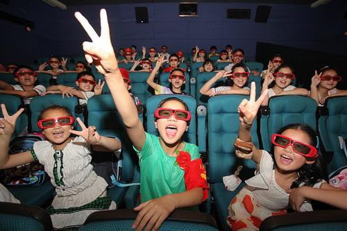 3D电影栩栩如生真刺激 可是真的适合孩子看吗?