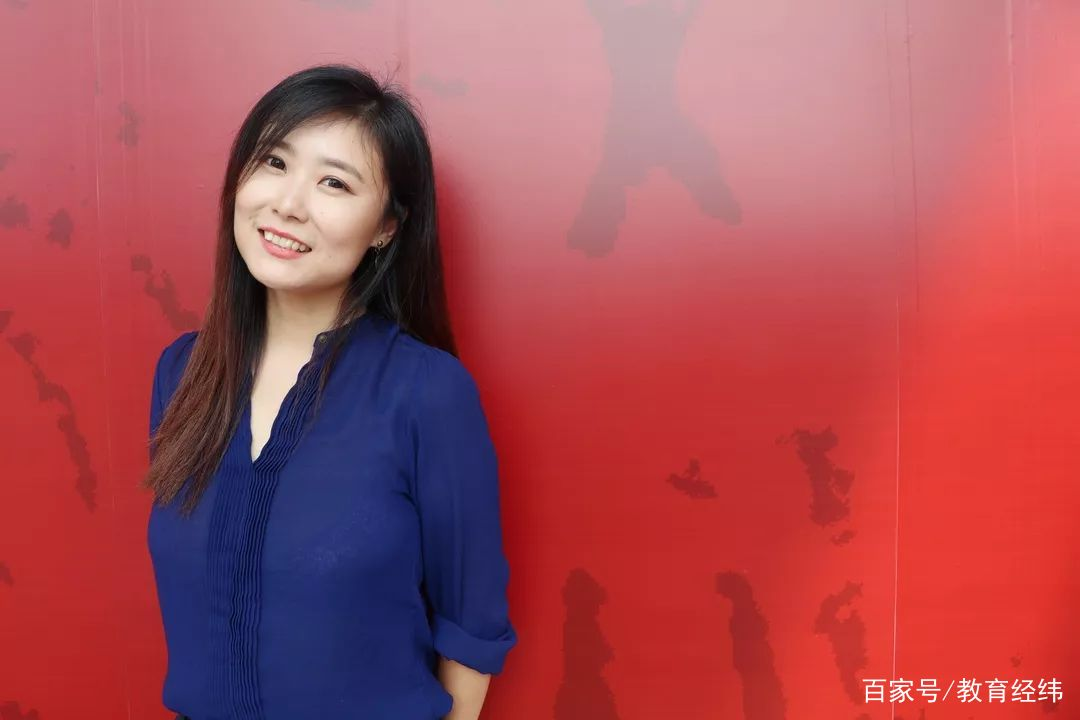 """原创她博士毕业于211大学,如今在清华做副教授,被学生称作""""女神"""""""