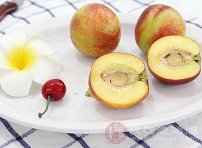 桃子的好处 吃这种水果减少癌症的出现 4