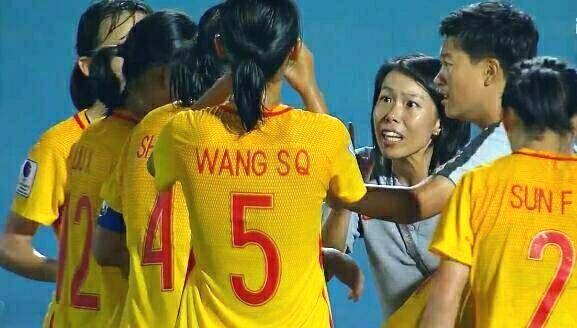 不服?中国女足2比0韩国,韩主帅