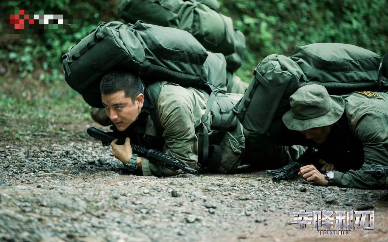 贾乃亮为剧减重20斤,场景比陈晓新剧真实,《士兵突击》的他惊现
