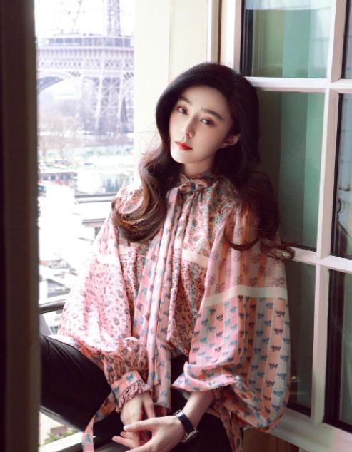 范冰冰38岁生日,李晨未送祝福,却获另一总监深情告白