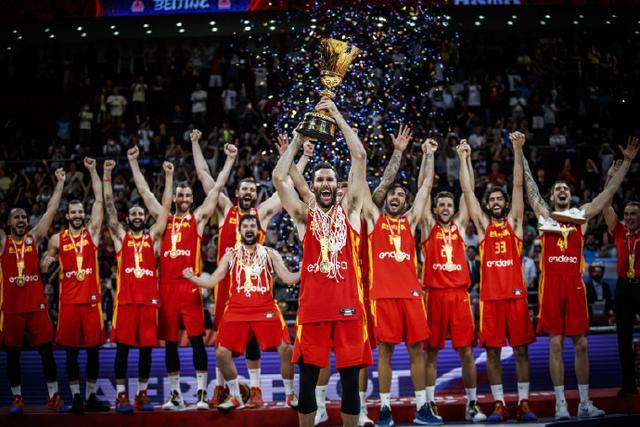 国际篮联连遭炮轰!前男篮主帅质疑FIBA大总管:他能干什么