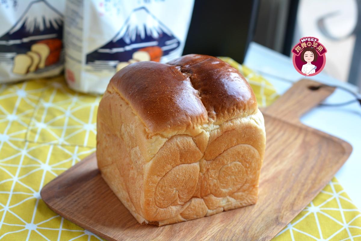 面包柔软拉丝能弹起来,放3天也软乎,连吃半个停不下嘴