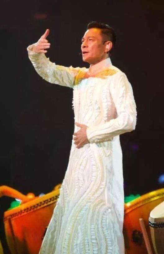 张洪泉:刘德华被粉丝求婚拒绝或许年纪大了
