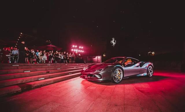 史上最厉害的V8动力马,法拉利F8三途出现在荣成