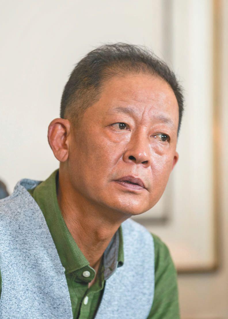"""王志文:习惯和娱乐圈保持距离,""""我至今还自卑"""""""