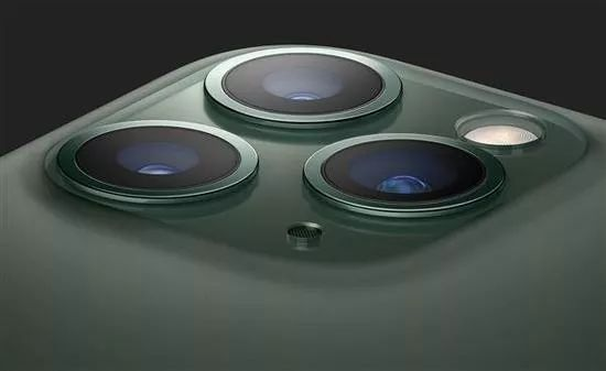 iPhone11绿色成爆款/任天堂推出「健身环」/Steam商店更新