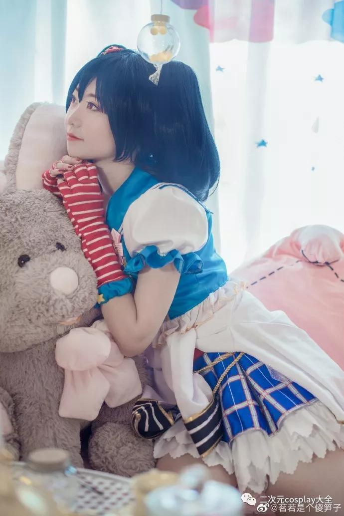 可爱元气的矢泽妮可,迷人且魅力四射,我甜美的少女心呐!