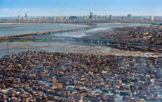 """全球最大""""水上贫民窟"""":明明居民过万,为何却被标记成无人区?"""