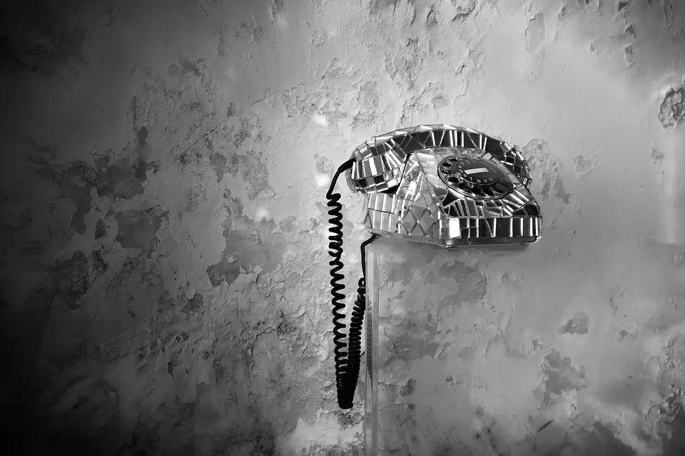 用户电话打太多被认定骚扰停机,运营商有点任性!