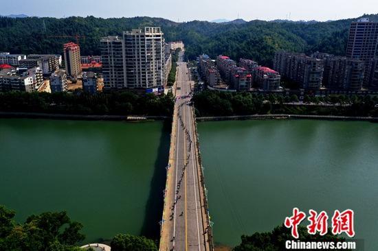 第十届环鄱阳湖国际自行车大赛开赛