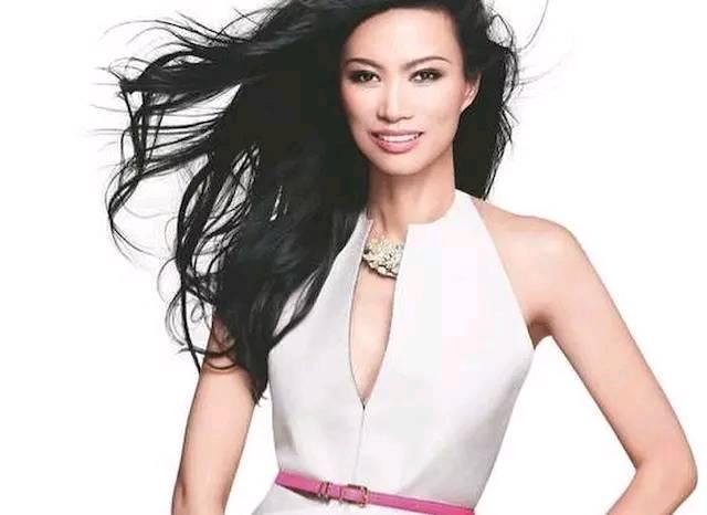 邓文迪晒出时尚杂志照片,怀念过去,难道是准备复出?
