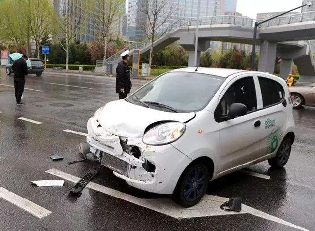 共享汽车遇交通事故责任如何划分?免责条款不是万能的