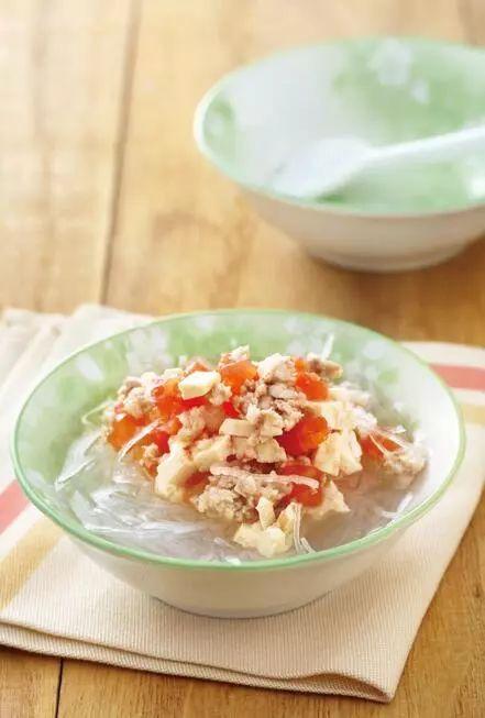 适合7个月大宝宝次的辅食:西红柿豆腐煲