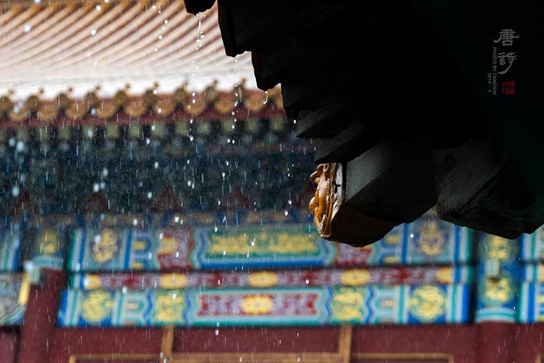 摄影师苏唐诗与寂寞百年的故宫对话6年,3万张照片美伦美奂