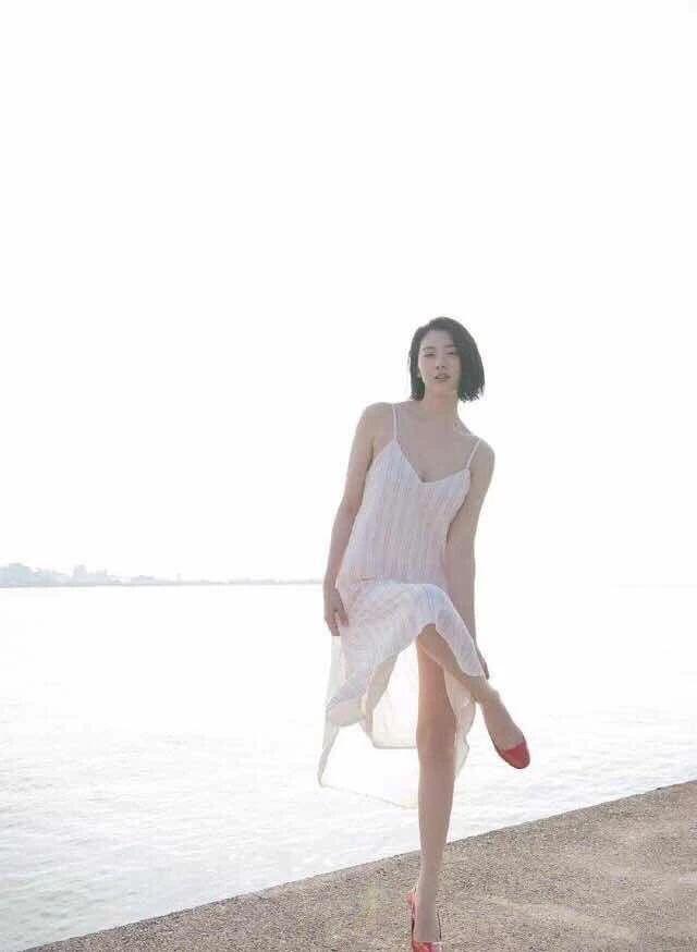 原创她因周杰伦而走红,粉丝暴涨几十万,穿搭也太有气质了!