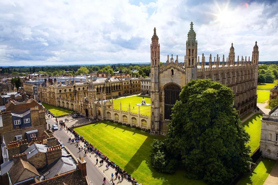 留学英国,不仅仅只是拿到offer就行了