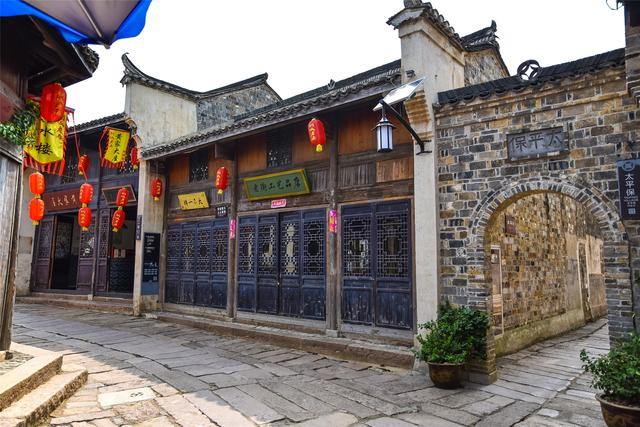 安徽最可惜的千年古街,改造前热闹非凡,投资8亿改造后成空街