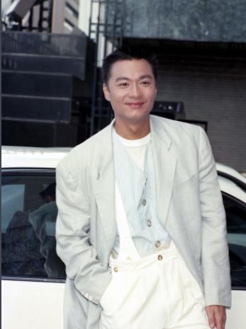 他年轻时长得十分帅气,最火时却淡出了娱乐圈,如今58岁憔悴不已