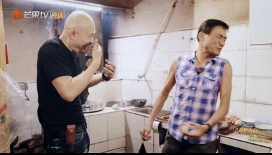 《一路成年》梁家辉和女儿因大事起争论,徐锦江怒掀桌子要加入!
